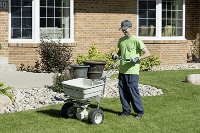 Regina Lawn Fertilizing